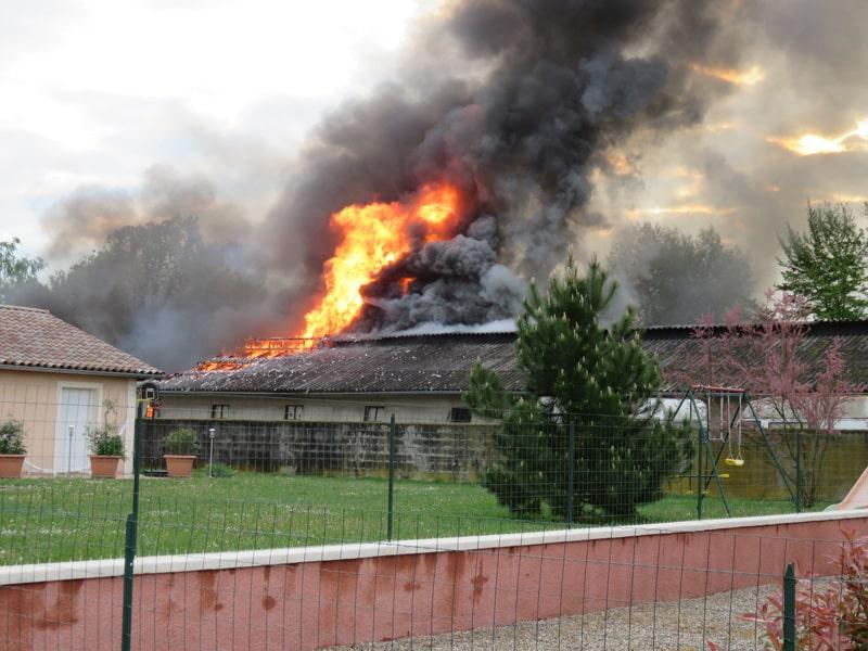 Incendie amianté à Rancé, les autorités locales muettes